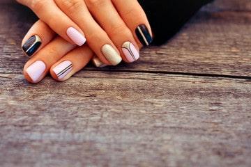 curso de uñas de acrílico
